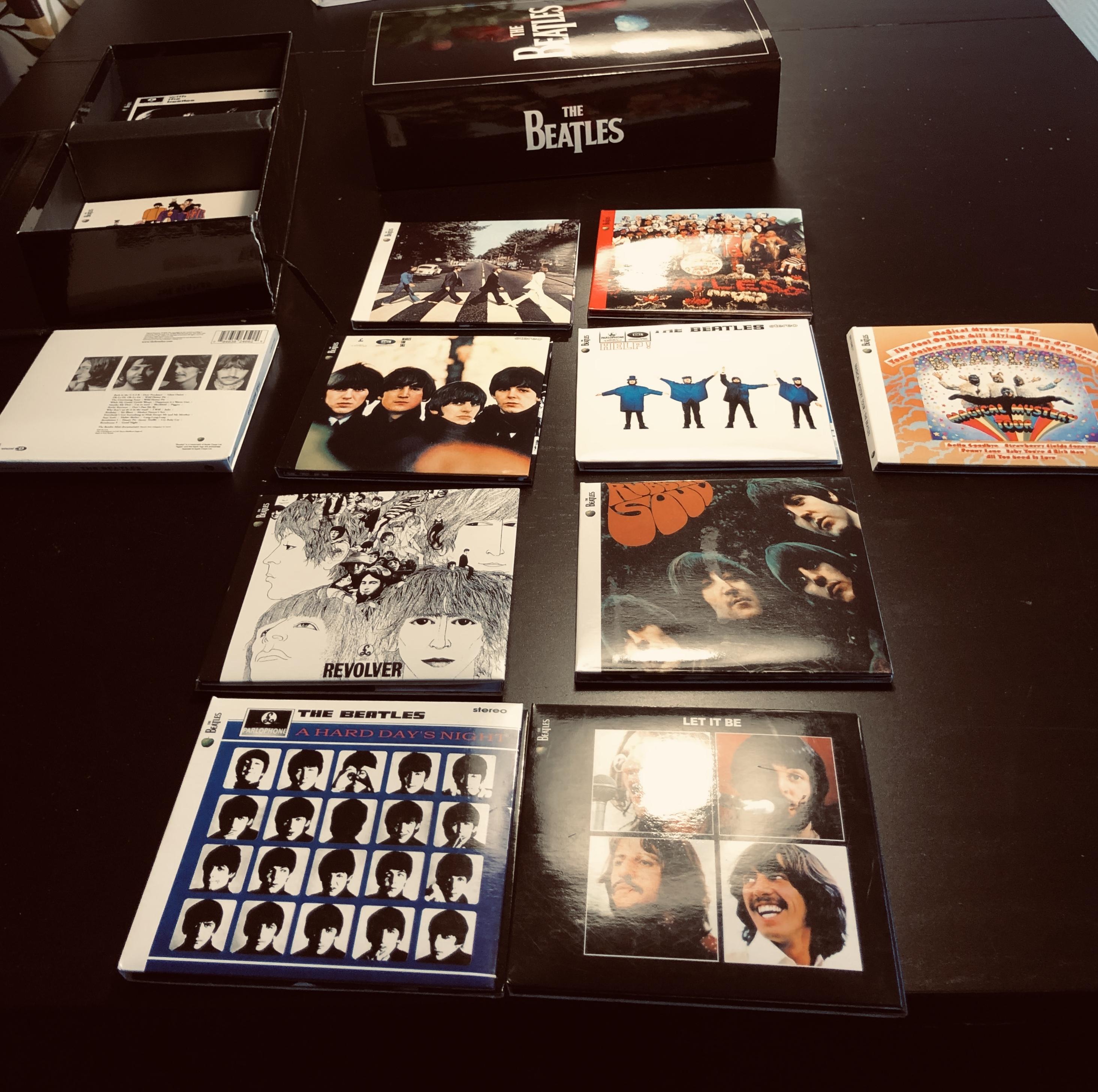 Hoesjes van Beatles cd's. Foto: Sander Lindenburg